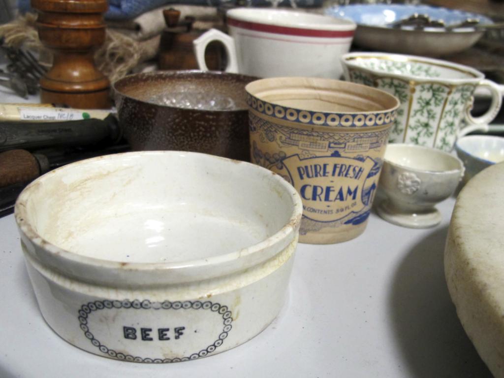 Lovely little vintage pots