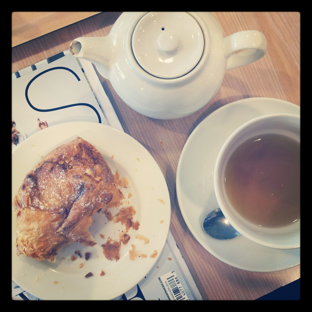 Almond croisant and peppermint tea