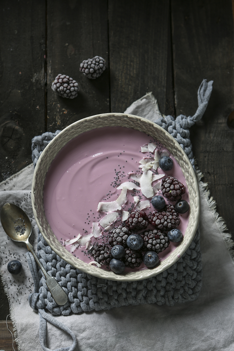 Black and Blue Berry Smoothy Bowl | Stacy Grant Photographer