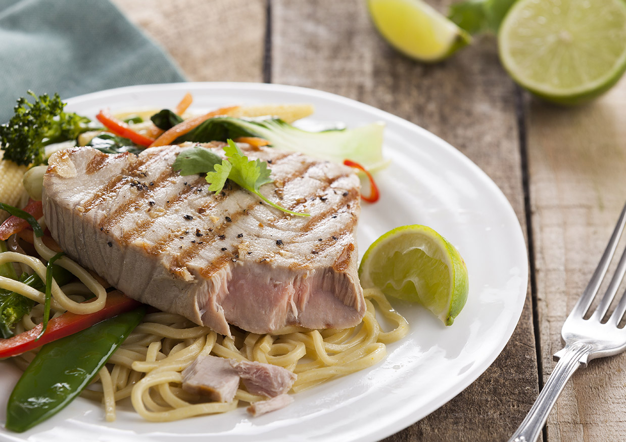 Tuna Steak Noodle Salad | Stacy Grant Food Photography